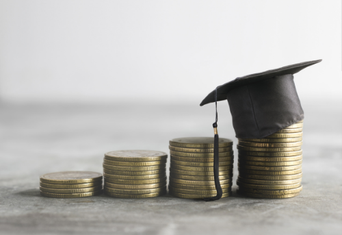 Scholarships for Undocumented Students | Due Oct 2021